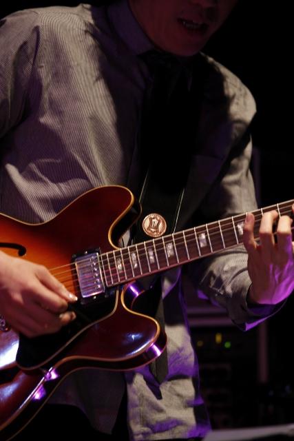 4つの変形ギターを紹介!形や音の特徴は?