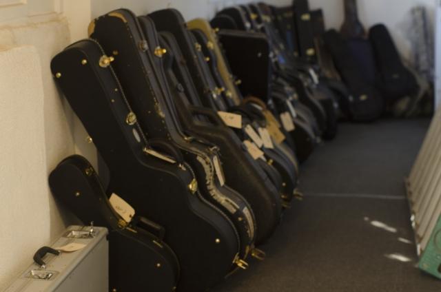 アコギのギターケースの種類と特徴!初心者におすすめはどれ?