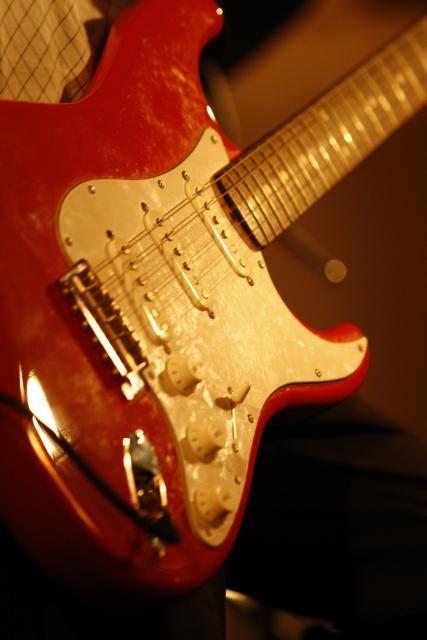 エレキギターの中古の選び方!相場はどれくらい??